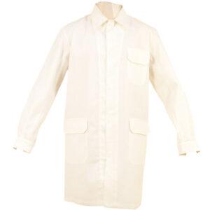 Bata cerrada con broches color crema en ropa de trabajo