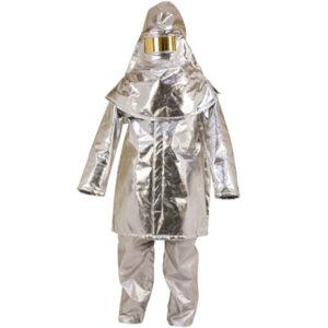 Capuz aluminizado con visor y casco en ropa de protección para calo, llama y gran slapicadura